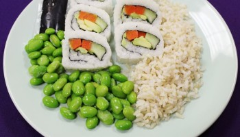 Sushi Roll w/ Steamed Rice & Edamame